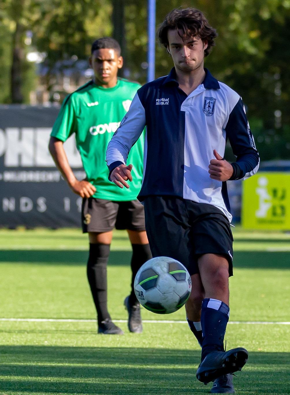 Hessel Witkop (19) valt op tijdens zijn officieel competitiedebuut