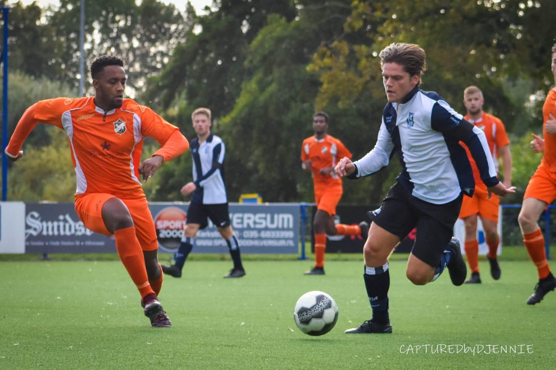 Sam Boersma, debutant bij UNO voetbalt al 14 jaar bij Victoria en ziet zichzelf nergens anders voetballen.